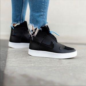 NEW Nike Vandalised LX Sneakers, BQ3610-001, 10.5